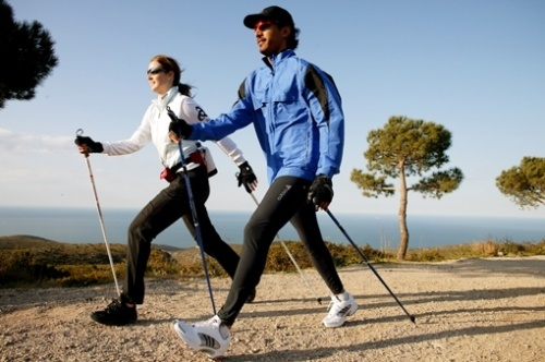 Спортивной ходьбой можно заниматься в любое время года и в любом месте